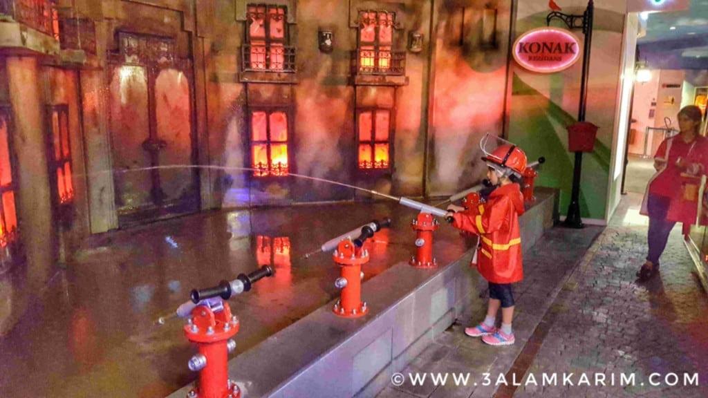 العمل على قدم وساق لإطفاء الحريق الخطير!