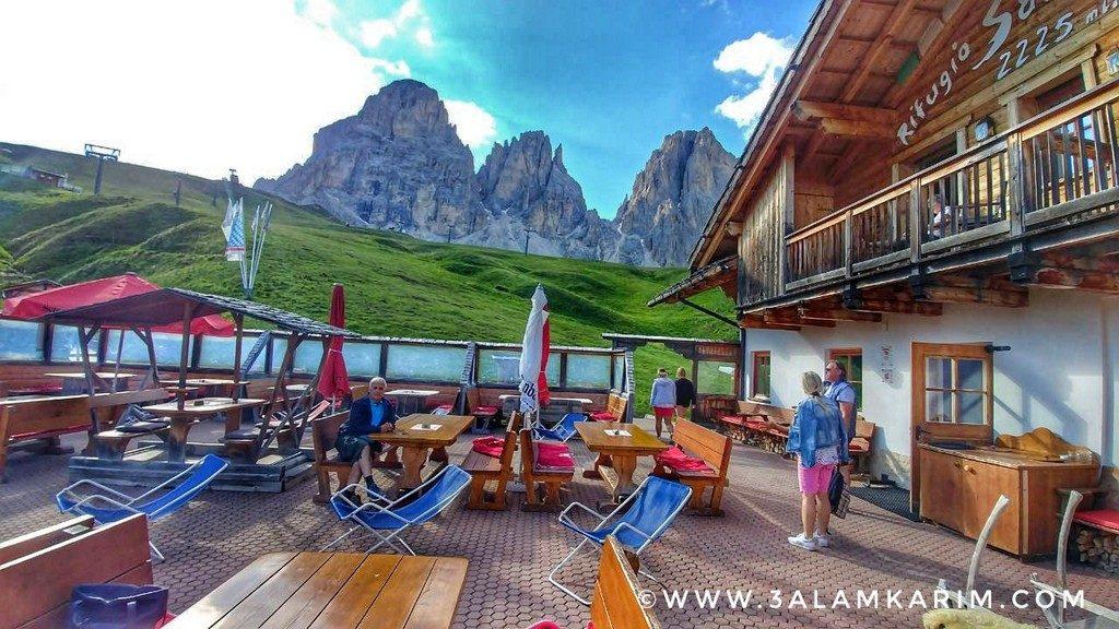 قمم لافاريدو واضحة في فصل الصيف من فندق Rifugio Salei