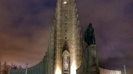 أيسلندا - كنيسة Hallgrimskirkja في Reykjavík