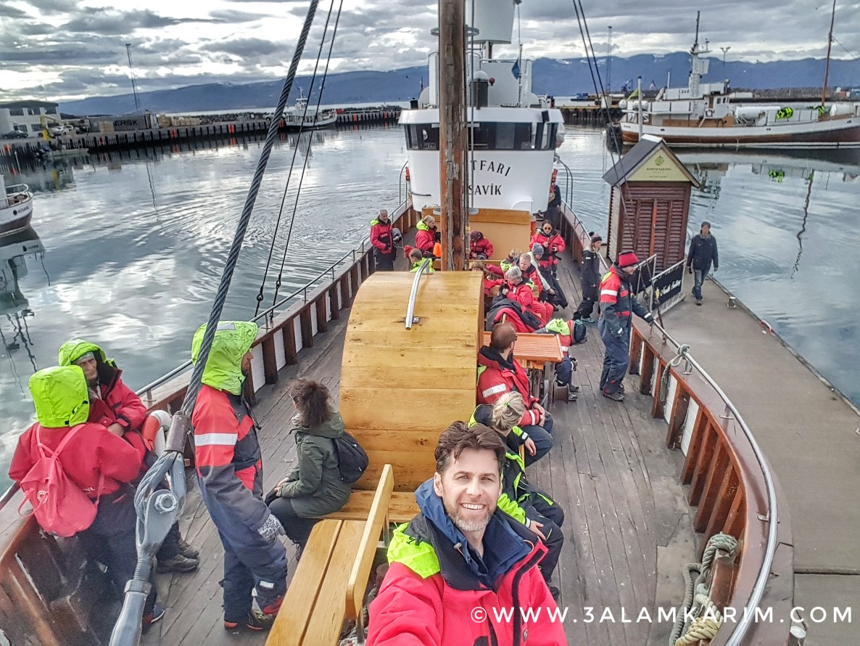 أثناء رحلة مشاهدة الحيتان في ايسلندا